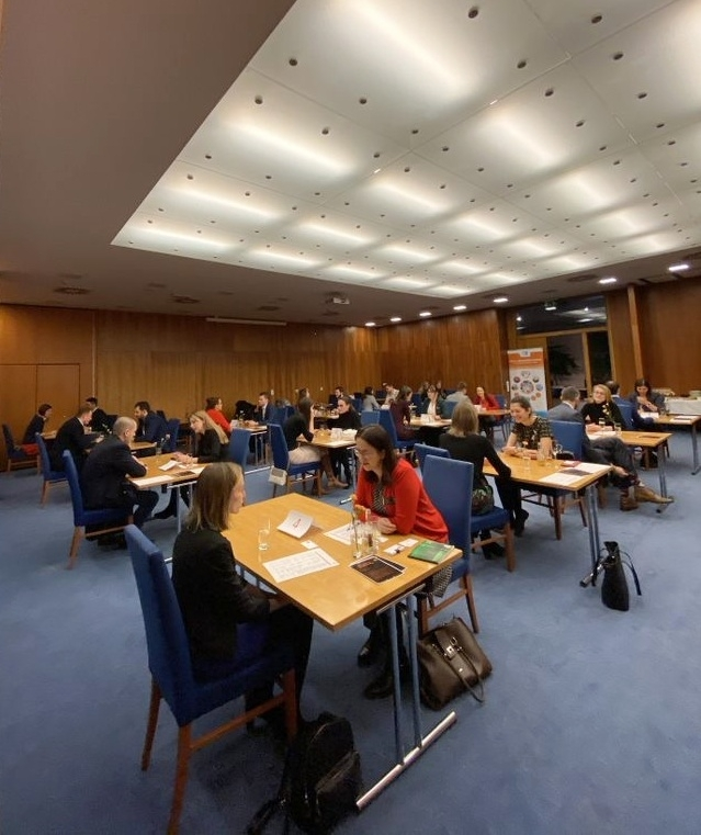 4 Minutes, 15 Business Meetings and 30 Graduates. FIR Alumni Club Held Its Second Alumni Business Speed Networking.
