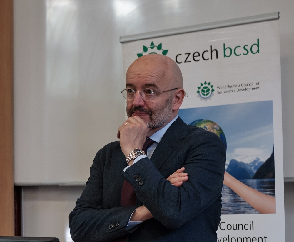 President of World Business Council for Sustainable Development Peter Bakker lectured at FIR