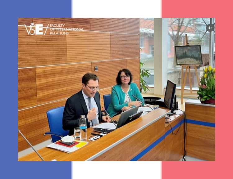 The French ambassador presented during the FIR World Economy course
