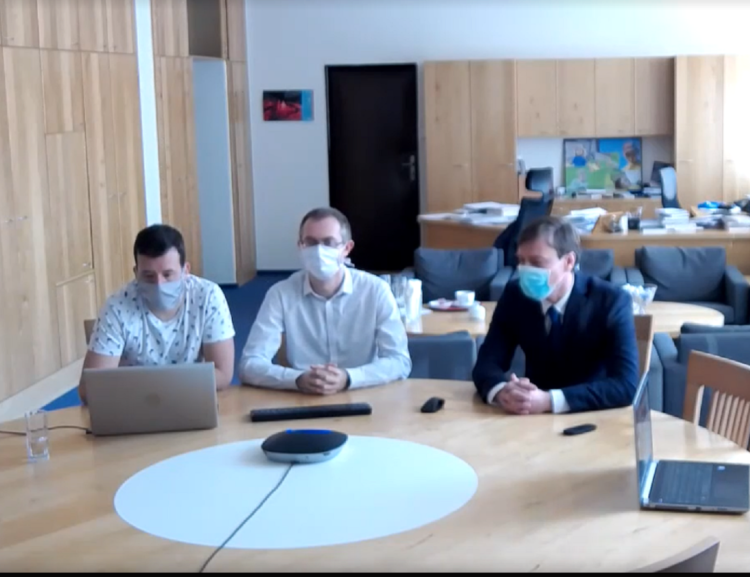 The First Live Stream of Q&A With the Dean and Vice-Deans of FIR About the Extraordinary Measures